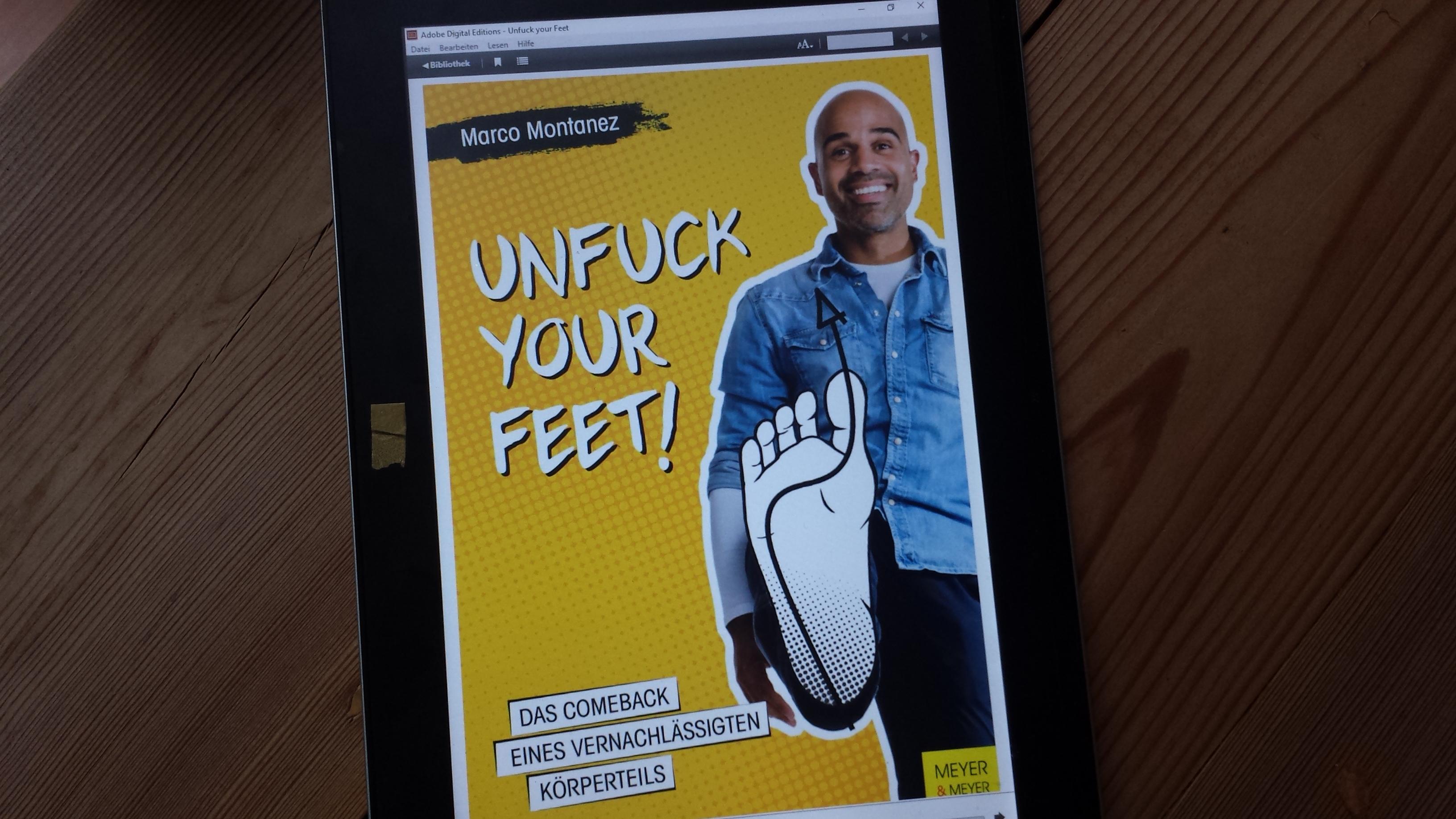 Buchcover mit Füße